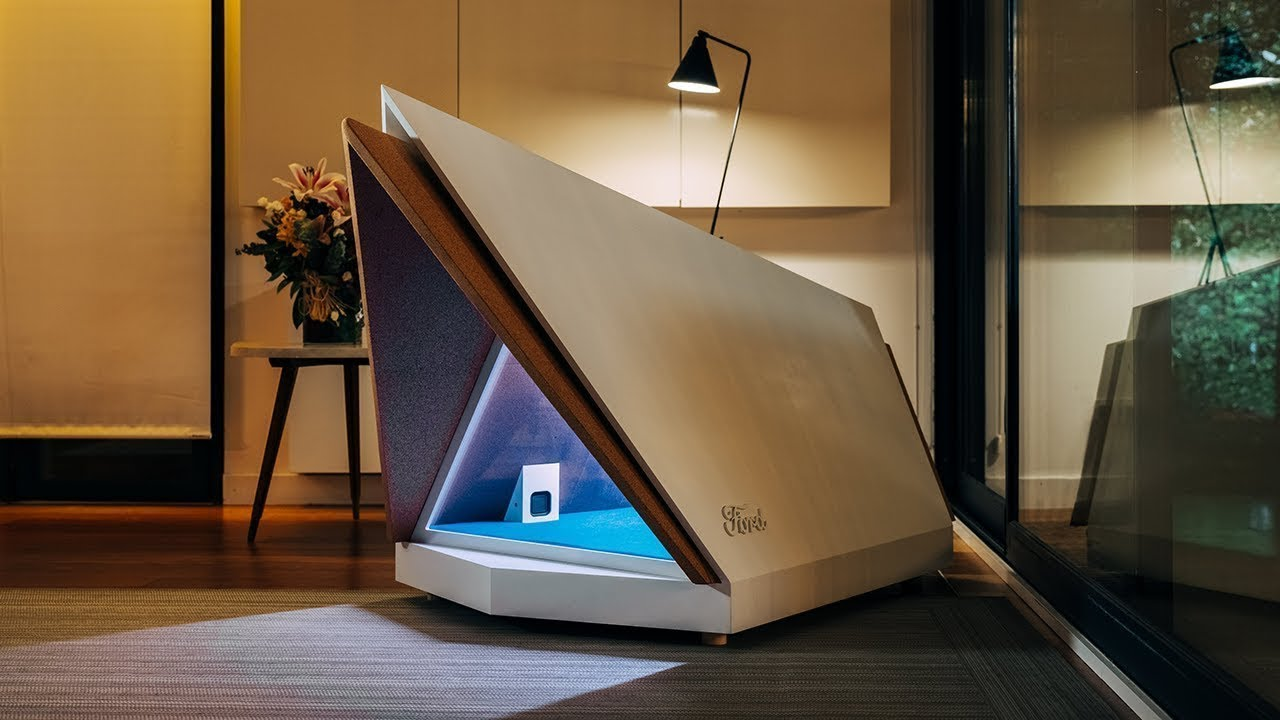 Ford's Noise-Cancelling Kennel to Protect Dogs from Loud Noises